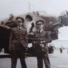 Militaria: FOTOGRAFÍA TENIENTE AVIACIÓN. ACADEMIA GENERAL DEL AIRE SAN JAVIER 1941 JUNKERS 52. Lote 120076251