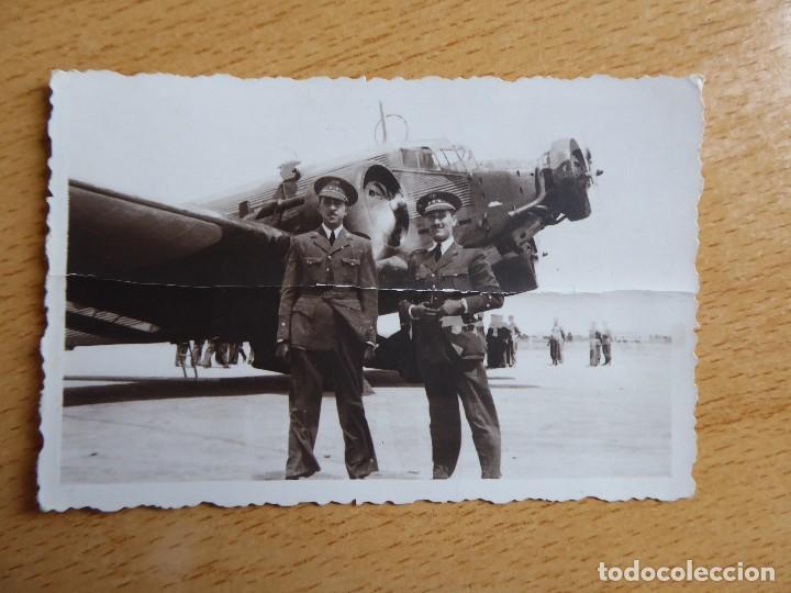 Militaria: Fotografía teniente aviación. Academia General del Aire San Javier 1941 Junkers 52 - Foto 2 - 120076251