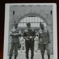 Militaria: FOTOGRAFIA DE CUARTEL DE LEGIONARIOS, LEGION, POSIBLEMENTE EN EL SAHARA ESPAÑOL, AÑOS 40, MIDE 11 . Lote 121358931
