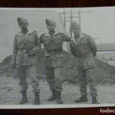 Militaria: FOTOGRAFIA DE CUARTEL DE LEGIONARIOS, LEGION, POSIBLEMENTE EN EL SAHARA ESPAÑOL, AÑOS 40, MIDE 11 . Lote 121359291