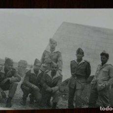 Militaria: FOTOGRAFIA DE CUARTEL DE LEGIONARIOS, LEGION, POSIBLEMENTE EN EL SAHARA ESPAÑOL, AÑOS 40, MIDE 11 . Lote 121359379