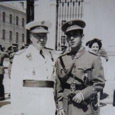 Militaria: FOTOGRAFÍA TENIENTE GENERAL DEL EJÉRCITO ESPAÑOL. MEDALLA MÉRITO MILITAR INDIVIDUAL. Lote 121655955