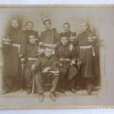 Militaria: FOTO ALBUMINA. GRUPO DE MILITARES. INGENIEROS. FOTOGRAFÍA F. NAVARRO. MADRID. 13 X 21 CMS.. Lote 121680163