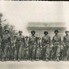 Militaria: LIBERACIÓN DE PARÍS-AÑO-1944-DESFILE INFANTERIA AMERICANA-CHAPS ELYSÉES--FOTOGRÁFICA RARA. Lote 122241463