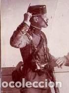 Militaria: GUARDIA CIVIL,FOTOGRAFIA AÑO 1900 APROX. AGENTE CON DETENIDO-DELINCUENTE,FUSIL,TRICORNIO Y PISTOLA - Foto 2 - 33669679