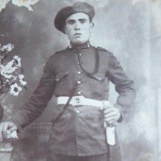 Militaria: FOTOGRAFÍA SOLDADO ARTILLERÍA MONTADA DEL EJÉRCITO ESPAÑOL.. Lote 126690791