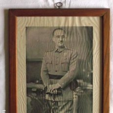 Militaria: FOTO OFICIAL CON FIRMA DE FRANCISCO FRANCO ENMARCADA - FOTO JALÓN ÁNGEL - ZARAGOZA - ENVÍO GRATIS. Lote 127484595