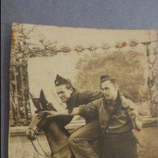 Militaria: ANTIGUA FOTOGRAFIA.SOLDADOS PERIODO GUERRA CIVIL.ZOOLOGICO DE BARCELONA 1937. Lote 127976147