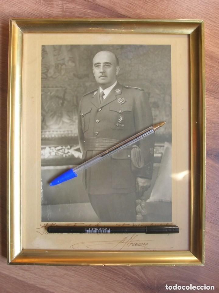 Militaria: MUY RARA Y EXCEPCIONAL FOTO FIRMADA Y DEDICADA POR EL CAUDILLO GENERALISIMO FRANCO. 100% ORIGINAL. - Foto 3 - 127998867