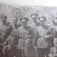 Militaria: FOTOGRAFÍA OFICIAL DEL EJÉRCITO ESPAÑOL. MEDALLA MÉRITO MILITAR INDIVIDUAL. Lote 128013831