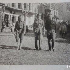 Militaria: ANTIGUA FOTOGRAFIA.MILITARES.FOTO ROS.CEUTA. Lote 128274343