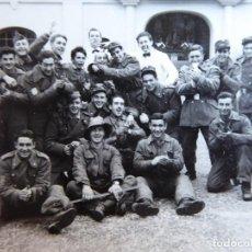 Militaria: FOTOGRAFÍA SOLDADOS DEL EJÉRCITO ESPAÑOL. DIVISIÓN ACORAZADA BRUNETE. Lote 129025251