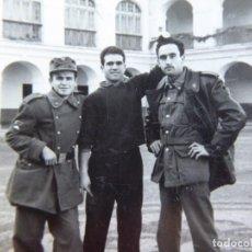 Militaria: FOTOGRAFÍA SOLDADOS DEL EJÉRCITO ESPAÑOL. DIVISIÓN ACORAZADA BRUENTE. Lote 129025379