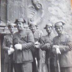 Militaria: FOTOGRAFÍA GUARDIAS CIVILES. 1953. Lote 130076339