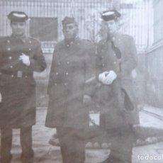 Militaria: FOTOGRAFÍA GUARDIAS CIVILES. FRANCO 1967. Lote 130076491