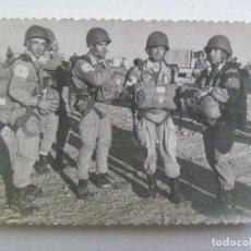 Militaria: MILITARES BRIPAC , PARACAIDISTAS ROPA DE SALTO, AÑOS 50. Lote 130525882
