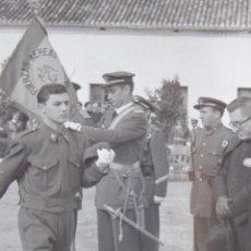 Militaria: FOTOGRAFÍA SOLDADO AVIACIÓN. JURA DE BANDERA FUERZAS AÉREAS. Lote 130569034