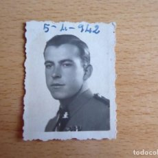 Militaria: FOTOGRAFÍA GUARDIA CIVIL CARABINERO. 1942. Lote 130879684