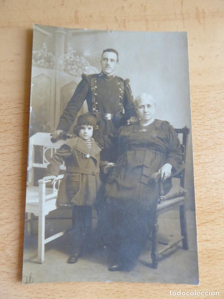 Militaria: Fotografía soldado del ejército español. Regimiento Inmemorial del Rey - Foto 2 - 131297515
