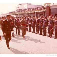Militaria: FRANCISCO FRANCO AEROPUERTO NACIONAL DE BARCELONA 1 OCTUBRE 1962.- FOTO GALLÉS. 25,5 X 20,5 CM. Lote 132153574