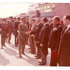Militaria: FRANCO. FALANGE.- AEROPUERTO BARCELONA 1 OCT.1962.- FOTO GALLÉS. 25,5 X 20,5 CM. Lote 132153710