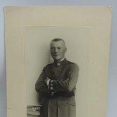 Militaria: FOTOGRAFIA DE CORONEL DEL CUERPO DE SANIDAD, 1930 EPOCA DE ALFONSO XIII, FOTOGRAFO KAULAK, MIDE 30 X. Lote 132271702
