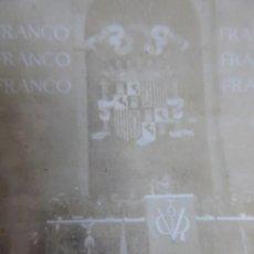 Militaria: FOTOGRAFÍA TRIBUNA FRANCO. DESFILE DE LA VICTORIA 1939. Lote 132767350
