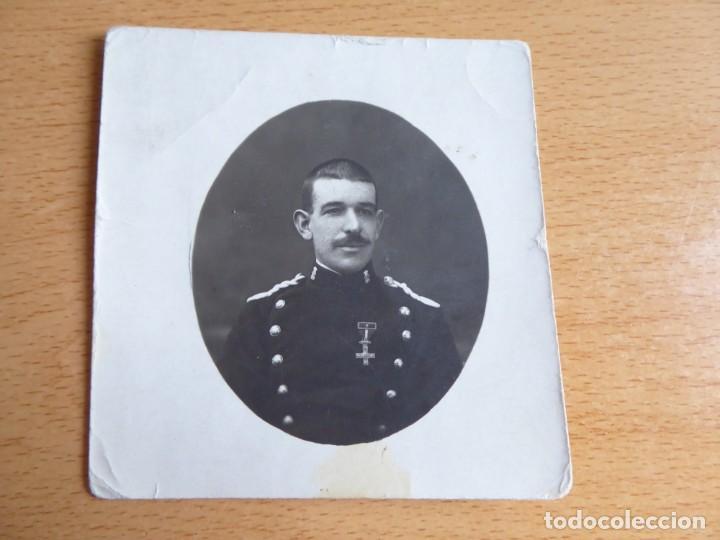 Militaria: Fotografía Guardia Civil. Cruz del mérito militar con distintivo rojo - Foto 2 - 132837494