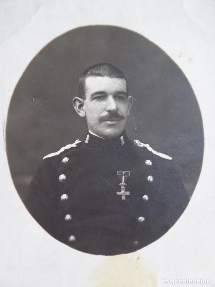 Militaria: Fotografía Guardia Civil. Cruz del mérito militar con distintivo rojo - Foto 3 - 132837494