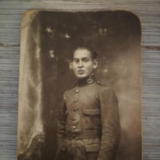 Militaria: ANTIGUA FOTOGRAFIA MILITAR - SOLDADO EPOCA ALFONSO XIII - INTENDENCIA - TAMAÑO POSTAL - . Lote 132944982