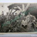Militaria: FOTOGRAFÍA ORIGINAL. SOLDADOS. CASA DE CAMPO. MADRID. GUERRA CIVIL. 1937 (8,5 X 6 CM). Lote 133613038