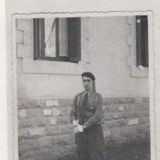 Militaria: FOTOGRAFÍA 12,50 X 8,50 CM MILITAR REQUETE ? FECHADA EN VITORIA EN 1937. NO FIGURA FOTÓGRAFO. Lote 133648594