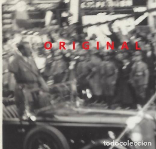Militaria: HITLER EN DESFILE POR CIUDAD ALEMANA - Foto 2 - 133774018