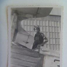 Militaria: GUERRA CIVIL - AVIACION : FOTO DE PILOTO Y AVION. Lote 134803158