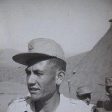 Militaria: FOTOGRAFÍA SOLDADO REGULARES. GORRILLA MONTAÑERA M-57. Lote 134958854