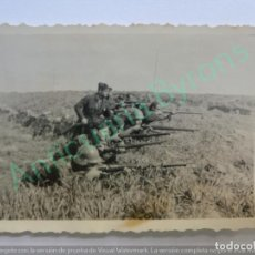 Militaria: FOTOGRAFÍA ANTIGUA ORIGINAL GUERRA CIVIL. SOLDADOS DISPARANDO PREMIÁ DE MAR MARZO DE 1937 . Lote 134994554