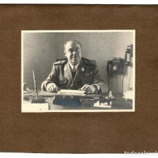 Militaria: GENERAL DEL CUERPO DE INGENIEROS CON AUTÓGRAFO 1944 - 26X23CM. Lote 135198218