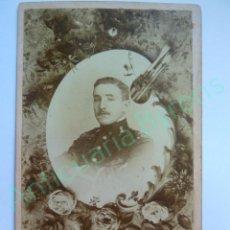 Militaria: FOTOGRAFÍA ANTIGUA ORIGINAL. OFICIAL. SELLO RAIMUNDO POU. LAS PALMAS. AÑO 1901. Lote 135216190