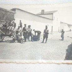 Militaria: FOTO GRUPO MILITARES RECUERDO DE SANTA AMALIA AÑO 1937. Lote 135319930