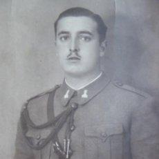 Militaria: FOTOGRAFÍA SOLDADO INGENIEROS DEL EJÉRCITO ESPAÑOL. CORDONES DE CADETE. Lote 135361446