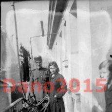 Militaria: CUARTEL DE LA GUARDIA CIVIL OVIEDO 1934 REVOLUCION DE ASTURIAS - NEGATIVO DE CRISTAL. Lote 135568534