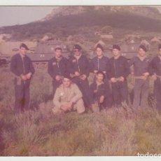 Militaria: FOTOGRAFÍA EJERCITO ESPAÑOL, AÑOS 80, SOLDADOS TANQUES. Lote 136192042