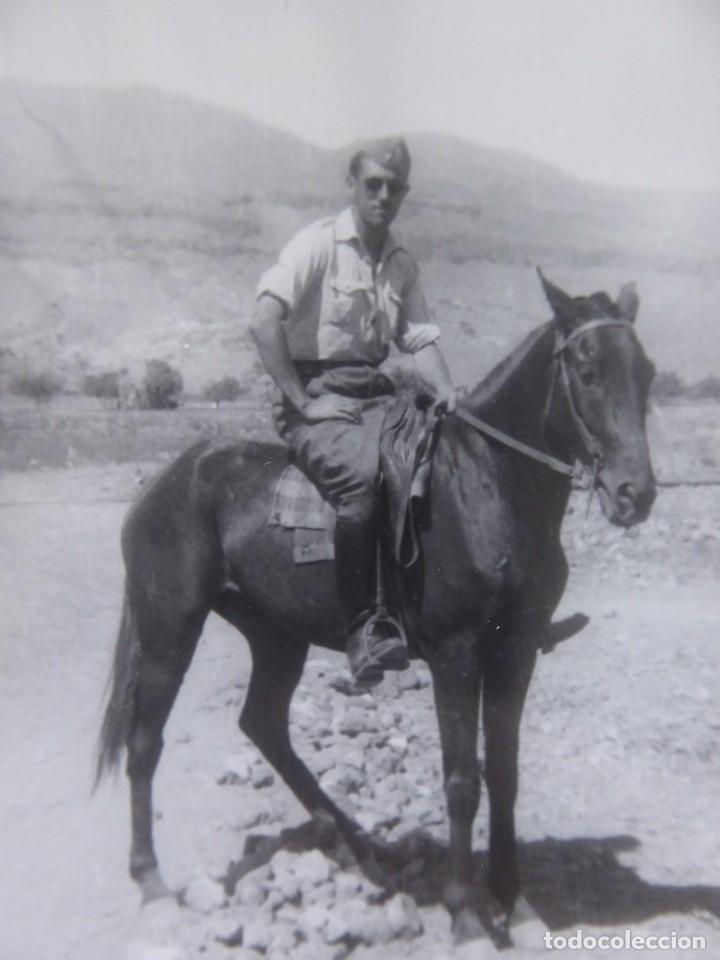 FOTOGRAFÍA ALFÉREZ DEL EJÉRCITO ESPAÑOL. MELILLA 1943 (Militar - Fotografía Militar - Otros)