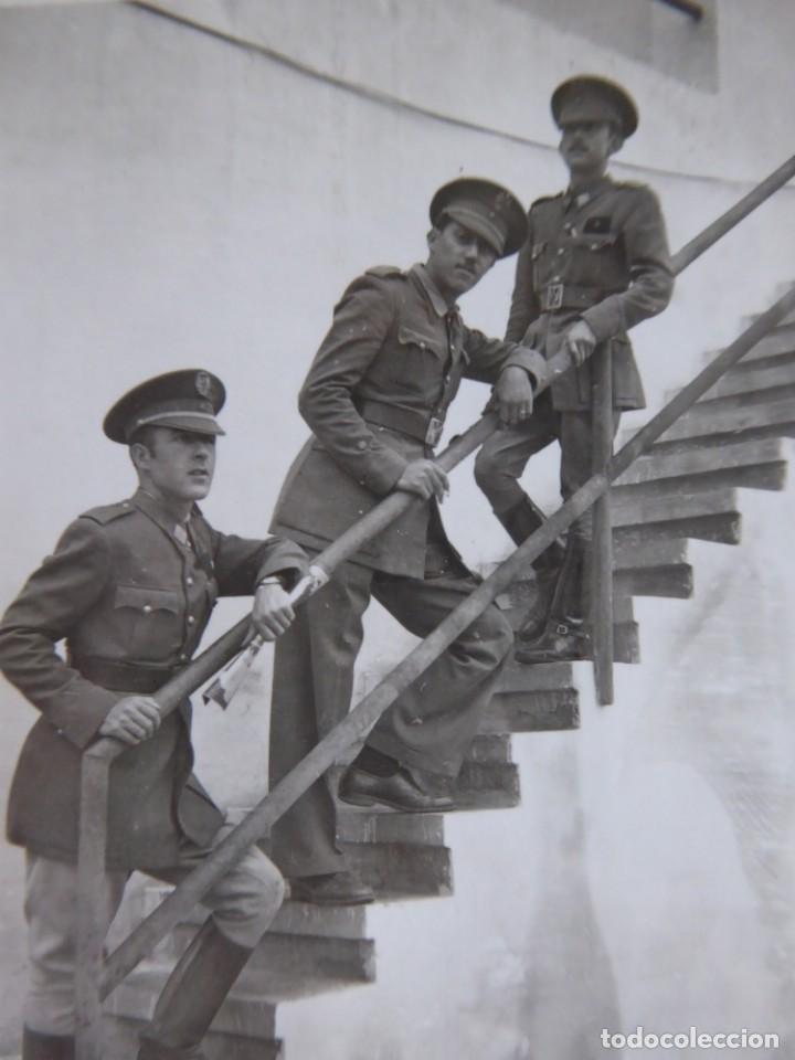 FOTOGRAFÍA ALFÉREZ PROVISIONAL DEL EJÉRCITO ESPAÑOL. CLUB NÁUTICO NADOR 1942 (Militar - Fotografía Militar - Otros)