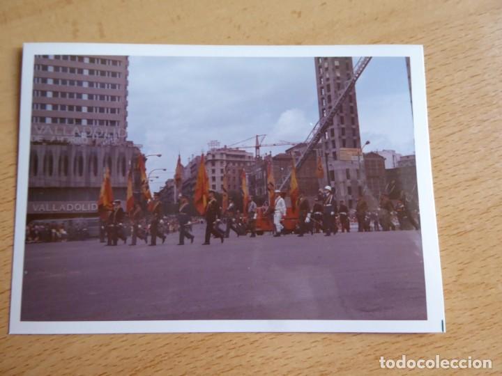Militaria: Fotografía soldados abanderados del ejército español. Desfile de la Victoria 1971 - Foto 2 - 136229738