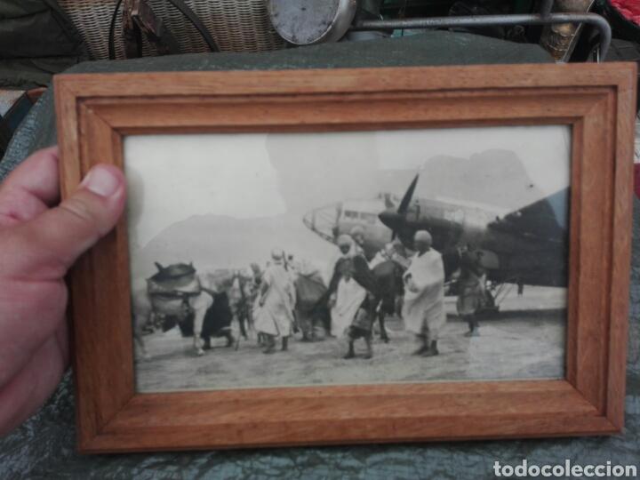 Militaria: Fotografia de siidinei..tropas esperando a oficiales Españoles ..original epoca - Foto 2 - 136636660