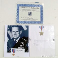 Militaria: GENERAL JOHN SINGLAUB WWII O.S.S,SIGNED CARD. Lote 136704302