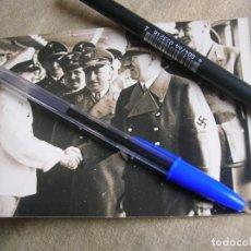 Militaria: RARA FOTOGRAFIA DE HITLER VISITANDO UN BARCO DE LA FUERZA POR LA ALEGRIA. KDF.. Lote 137712390