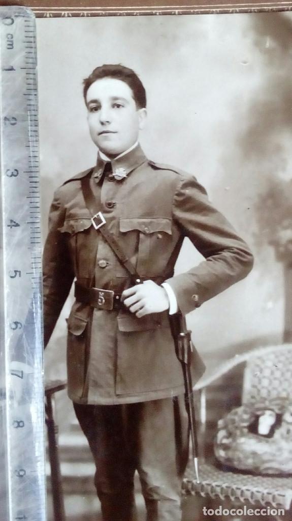 Militaria: Fotografía estudio, soldado Regimiento del Infante nº 5. Tamaño tarjeta postal. Ver dorso. Zaragoza - Foto 2 - 137911910