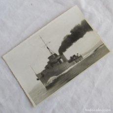 Militaria: FOTOGRAFÍA DEL BUQUE DESTRUCTOR LINIERS PRUEBAS PRELIMINARES 20-3-1949, 17X11 CM. Lote 139536882